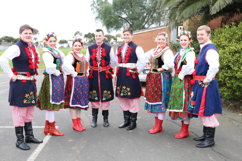 Polonez dancers